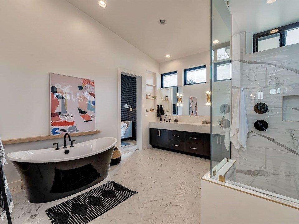 028_Master Bathroom5975 N Hacienda