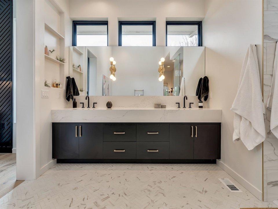 030_Master Bathroom5975 N Hacienda